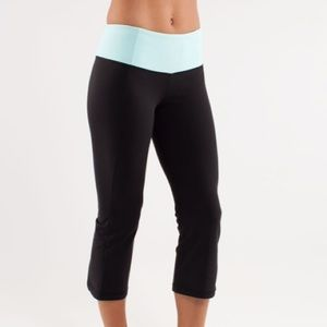Lululemon gather and crow crops size 6